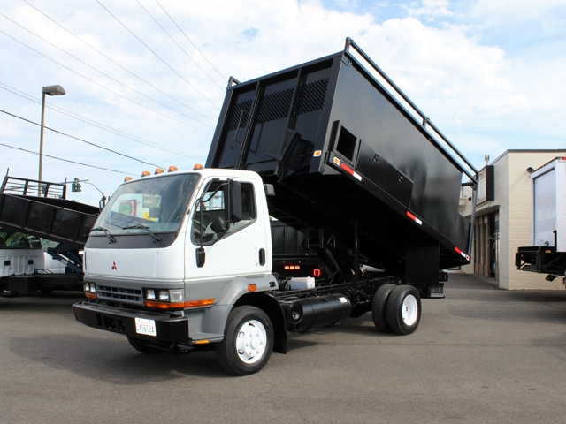 2000 MITSUBISHI FUSO 14 Ft. Flatbed Dump Truck #5895 from Town and Country Commercial Truck Sales, Kent (Seattle), WA