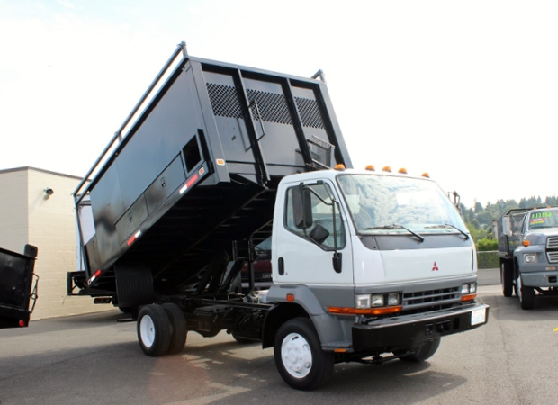 5895.C. 2000 MITSUBISHI FUSO 14 Ft. Flatbed Dump Truck from Town and Country Commercial Truck Sales, Kent (Seattle), WA