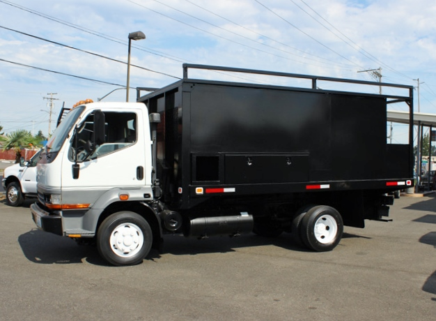 5895.D. 2000 MITSUBISHI FUSO 14 Ft. Flatbed Dump Truck from Town and Country Commercial Truck Sales, Kent (Seattle), WA
