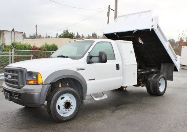 5923.B. 2005 FORD F-450 Non-CDL 2-3 Yard Dump Truck from Town and Country Commercial Truck Sales, Kent (Seattle), WA