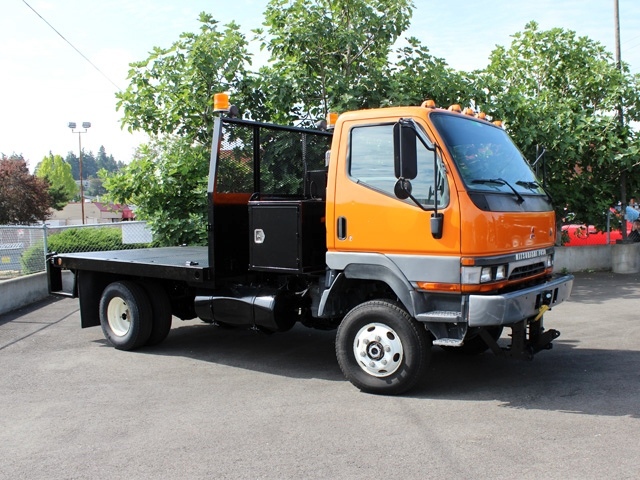 5967.G. 2002 MITSUBISHI FUSO FG 4X4 10 Ft. Flatbed Truck from Town and Country Commercial Truck Sales, Kent (Seattle), WA