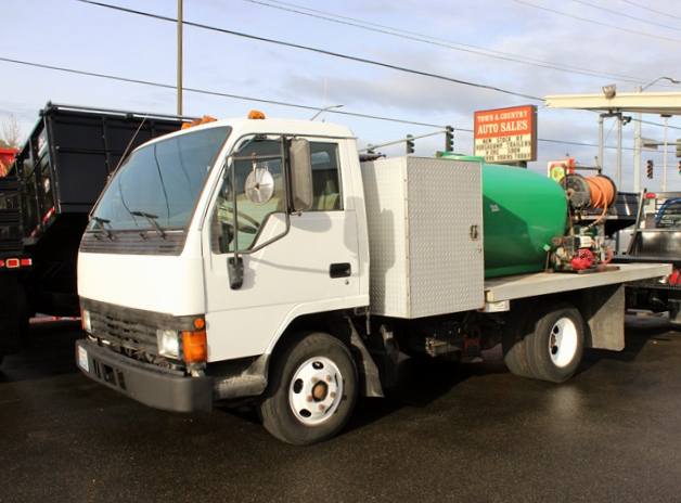 1995 Mitsubishi Fuso Spray Unit Flatbed Truck from Town and Country Commercial Trailer and Truck Sales, Kent (Seattle), WA