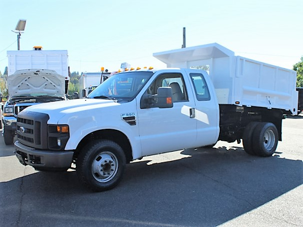 2002 CHEVROLET HD3500 12 ft. Flatbed Truck from Town and Country Commercial Truck and Trailer Sales, Kent (Seattle), WA