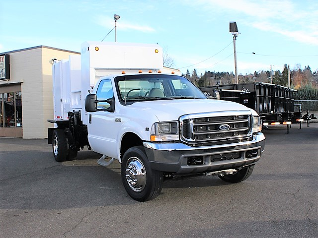 6036.E. 2006 FORD F450 Non-CDL Refuse Garbage Packer Truck with Container Lifts from Town and Country Commercial Truck and Trailer Sales, Kent (Seattle), WA