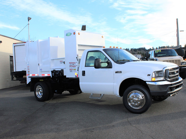6036.F. 2006 FORD F450 Non-CDL Refuse Garbage Packer Truck with Container Lifts from Town and Country Commercial Truck and Trailer Sales, Kent (Seattle), WA