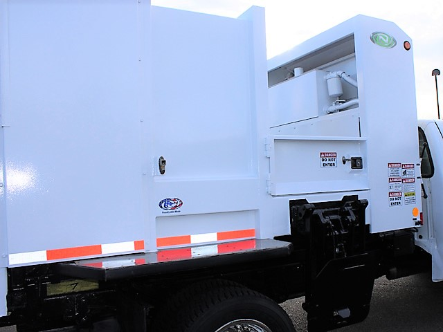 6036.H. 2006 FORD F450 Non-CDL Refuse Garbage Packer Truck with Container Lifts from Town and Country Commercial Truck and Trailer Sales, Kent (Seattle), WA
