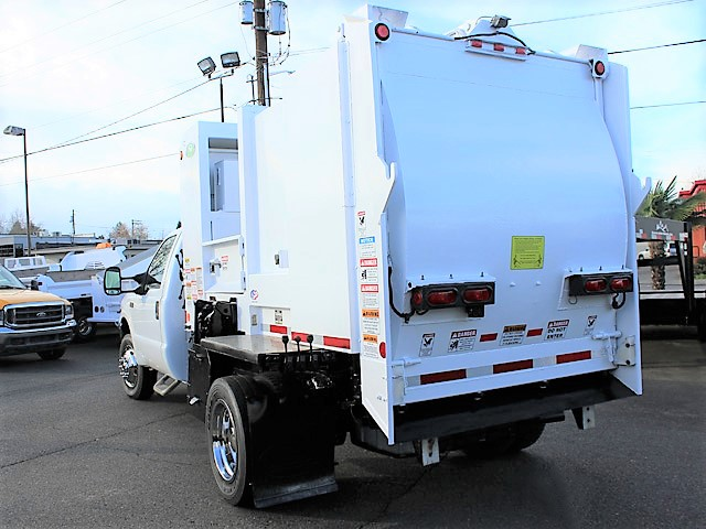 6036.N. 2006 FORD F450 Non-CDL Refuse Garbage Packer Truck with Container Lifts from Town and Country Commercial Truck and Trailer Sales, Kent (Seattle), WA