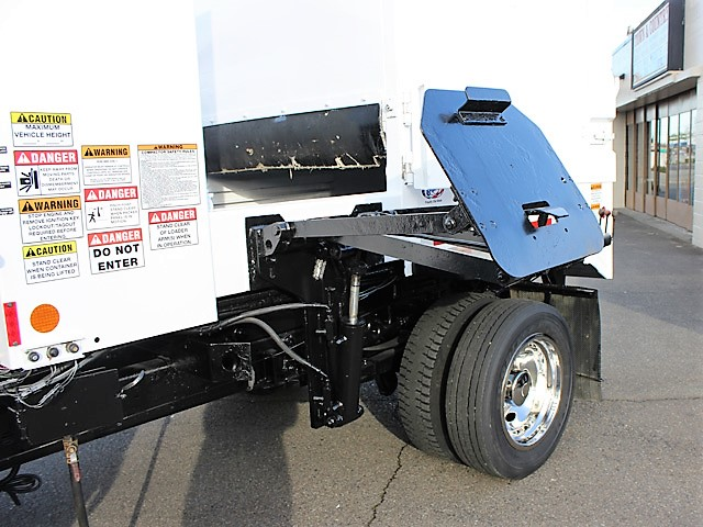 6036.R. 2006 FORD F450 Non-CDL Refuse Garbage Packer Truck with Container Lifts from Town and Country Commercial Truck and Trailer Sales, Kent (Seattle), WA