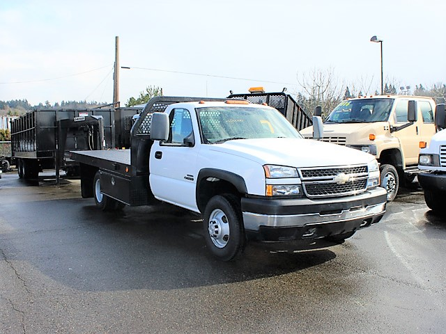 #6116: 2007 CHEVROLET Silverado Non-CDL 12 ft. Flatbed Truck . Scroll down to find a video of this truck.