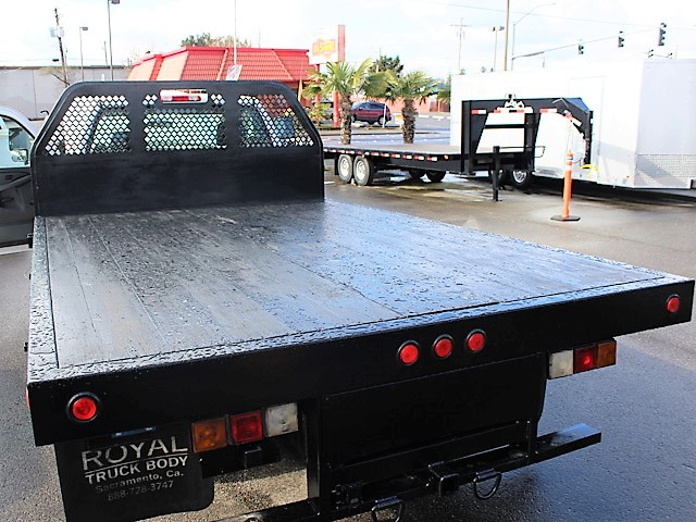 6116.L. 2007 CHEVROLET Silverado Non-CDL 12 ft. Flatbed Truck from Town and Country Commercial Truck and Trailer Sales, Kent (Seattle), WA