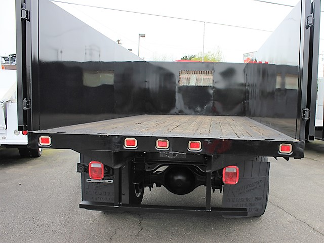 6055.K. 2002 INTERNATIONAL 4700 Non-CDL 12 ft. flatbed dump truck from Town and Country Commercial Truck and Trailer Sales, Kent (Seattle), WA