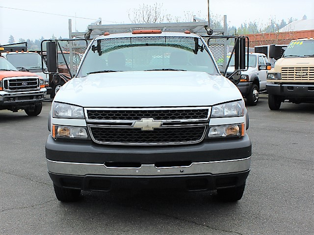 6123.C. 2006 CHEVROLET C3500 10 ft. flatbed truck from Town and Country Commercial Truck and Trailer Sales, Kent (Seattle), WA