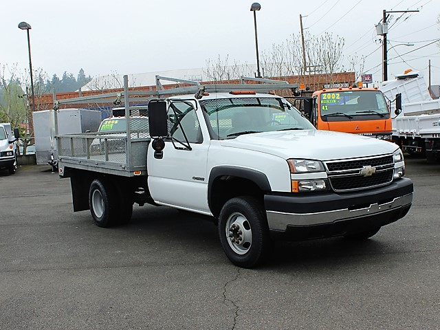 6123.E. 2006 CHEVROLET C3500 10 ft. flatbed truck from Town and Country Commercial Truck and Trailer Sales, Kent (Seattle), WA