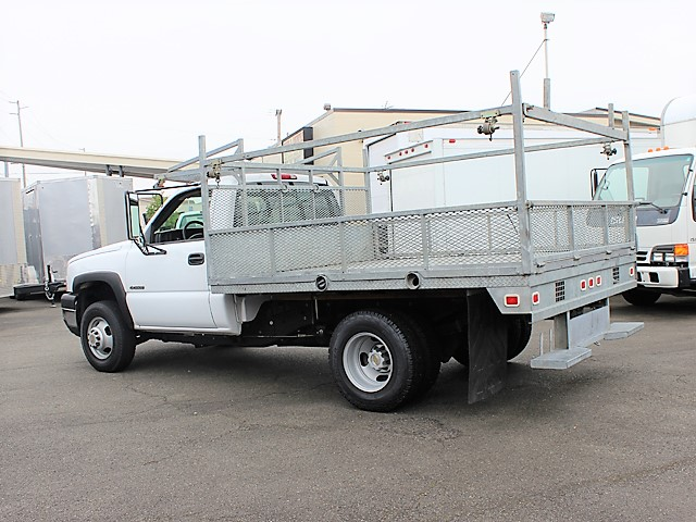 6123.F. 2006 CHEVROLET C3500 10 ft. flatbed truck from Town and Country Commercial Truck and Trailer Sales, Kent (Seattle), WA
