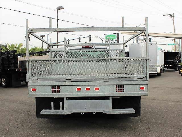 6123.G. 2006 CHEVROLET C3500 10 ft. flatbed truck from Town and Country Commercial Truck and Trailer Sales, Kent (Seattle), WA