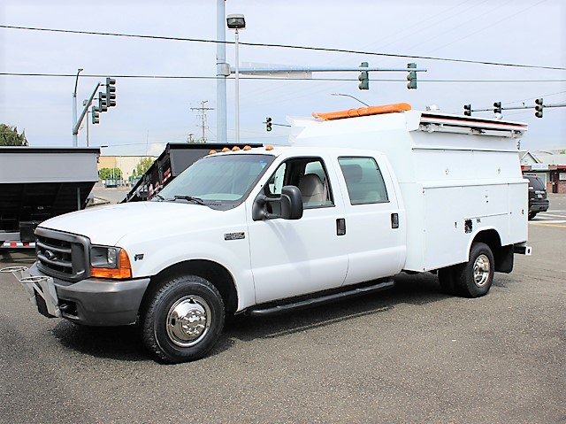 1999 Ford F350 enclosed service utility truck from Town and Country Commercial Truck and Trailer Sales, Kent (Seattle), WA