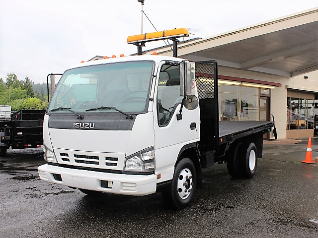 6133. 2007 Isuzu NRP HD 12 ft. flatbed truck from Town and Country Commercial Truck and Trailer Sales, Kent (Seattle), WA