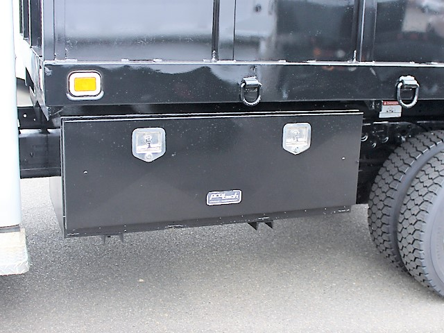 6125.J. 2001 FORD F550 Super Duty flatbed dump truck from Town and Country Commercial Truck and Trailer Sales, Kent (Seattle), WA
