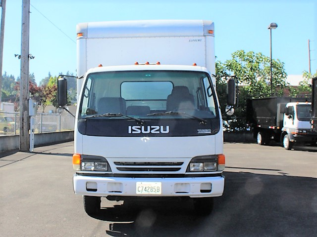 ES2007.2. 2007 ISUZU NPR 14 ft. Box truck with pressure washer system from Town and Country Commercial Truck and Trailer Sales, Kent (Seattle), WA