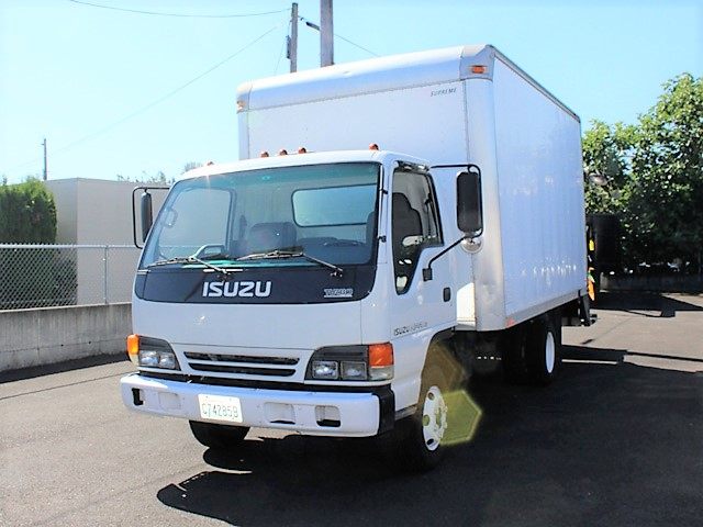 ES2007.3. 2007 ISUZU NPR 14 ft. Box truck with pressure washer system from Town and Country Commercial Truck and Trailer Sales, Kent (Seattle), WA