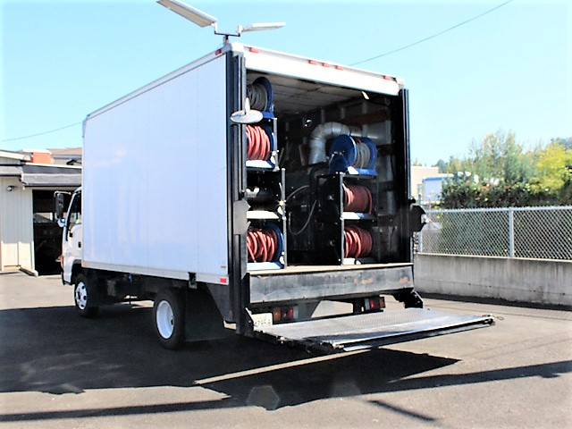 ES2007.6. 2007 ISUZU NPR 14 ft. Box truck with pressure washer system from Town and Country Commercial Truck and Trailer Sales, Kent (Seattle), WA