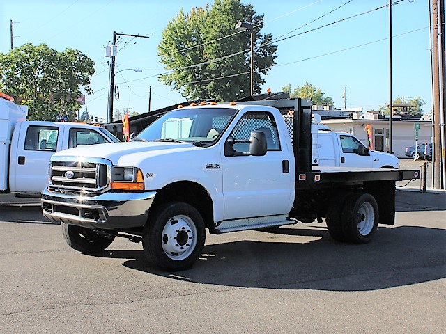 2001 FORD F450 SUPER DUTY 10 ft. flatbed truck from Town and Country Commercial Truck and Trailer Sales, Kent (Seattle), WA