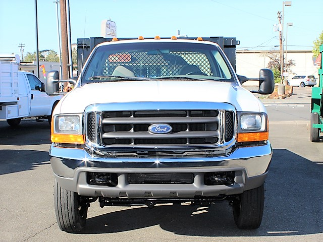6124.B. 2001 FORD F450 SUPER DUTY 10 ft. flatbed truck from Town and Country Commercial Truck and Trailer Sales, Kent (Seattle), WA