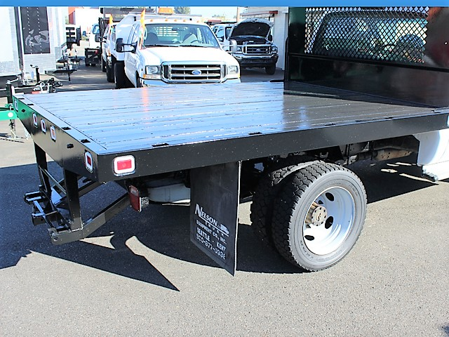 6124.G. 2001 FORD F450 SUPER DUTY 10 ft. flatbed truck from Town and Country Commercial Truck and Trailer Sales, Kent (Seattle), WA