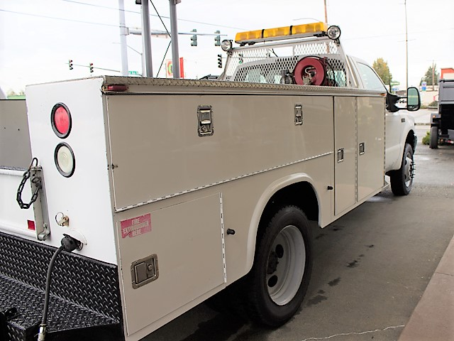 6179J. 2001 FORD F450 SUPER DUTY 11 service utility truck from Town and Country Commercial Truck and Trailer Sales, Kent (Seattle), WA