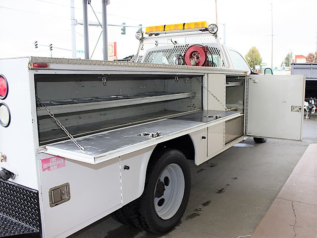 6179K. 2001 FORD F450 SUPER DUTY 11 service utility truck from Town and Country Commercial Truck and Trailer Sales, Kent (Seattle), WA
