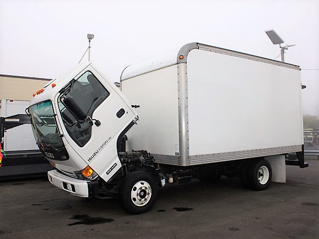 6096.B. 2005 ISUZU NPR 14 ft. box truck from Town and Country Commercial Truck and Trailer Sales, Kent (Seattle), WA