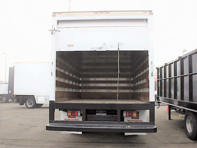 6096.H. 2005 ISUZU NPR 14 ft. box truck from Town and Country Commercial Truck and Trailer Sales, Kent (Seattle), WA