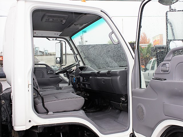 6183.M. 2006 GMC/Isuzu W4500 12 ft. flatbed truck from Town and Country Commercial Truck and Trailer Sales, Kent (Seattle), WA