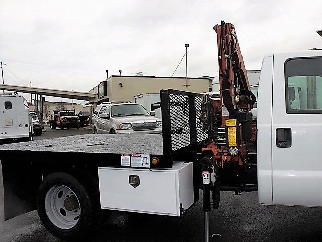 6126.H. 2001 FORD F450 Super Duty 9 ft. flatbed dump truck with articulating boom crane from Town and Country Commercial Truck and Trailer Sales, Kent (Seattle), WA