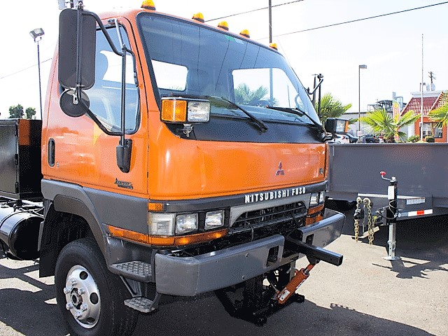 5968.B. 2002 Mitsubishi Fuso FG140 cab/chassis truck from Town and Country Commercial Truck and Trailer Sales, Kent (Seattle), WA