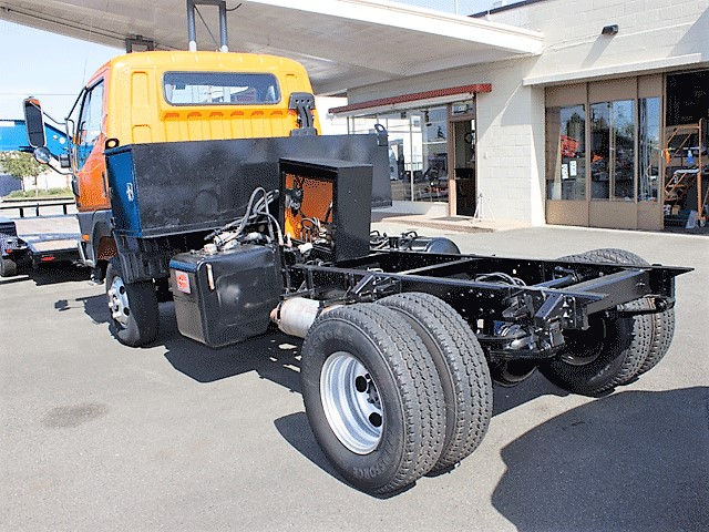 5968.G. 2002 Mitsubishi Fuso FG140 cab/chassis truck from Town and Country Commercial Truck and Trailer Sales, Kent (Seattle), WA