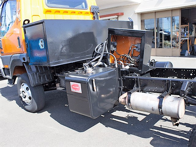 5968.H. 2002 Mitsubishi Fuso FG140 cab/chassis truck from Town and Country Commercial Truck and Trailer Sales, Kent (Seattle), WA