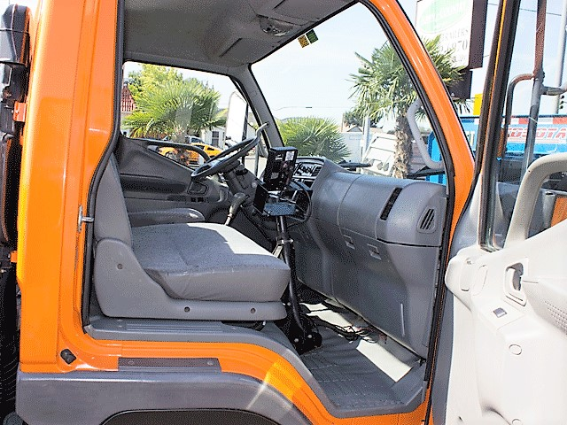 5968.P. 2002 Mitsubishi Fuso FG140 cab/chassis truck from Town and Country Commercial Truck and Trailer Sales, Kent (Seattle), WA