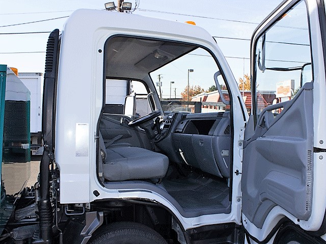 6288.N. 2008 Mitsubishi Fuso FE125 12 ft. dump truck from Town and Country Commercial Truck and Trailer Sales, Kent (Seattle), WA