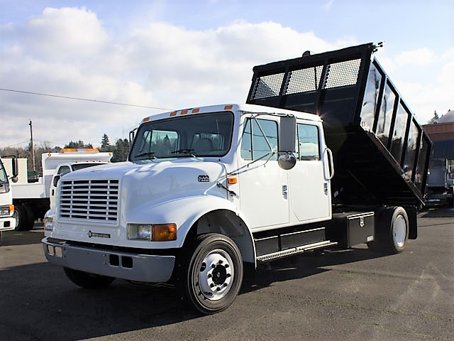#6319.A. 1998 International 4700 Lo Pro crew cab flatbed dump truck from Town and Country Commercial Truck and Trailer Sales, Kent (Seattle), WA.