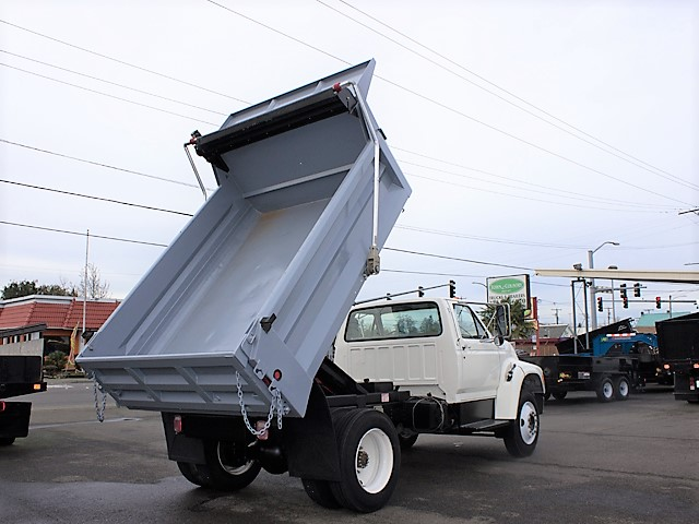 6321.C. 1996 FORD F650 5-yard dump truck from Town and Country Commercial Truck and Trailer Sales, Kent (Seattle), WA.