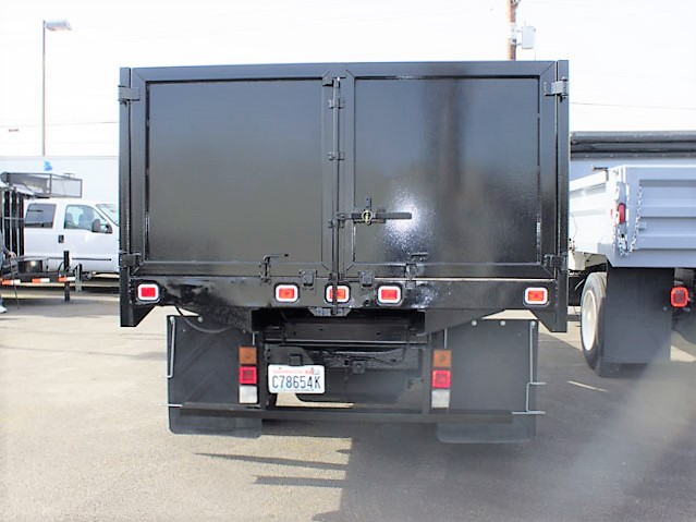 2003ES2019.D. 2003ES2019:  2003 Chevrolet C3500 Non-CDL 12 ft. flatbed dump truck from Town and Country Commercial Truck and Trailer Sales, Kent (Seattle), WA.