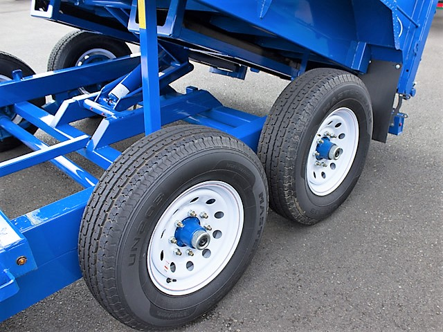 11. FFRD Flatbed forward rear dump trailer from Town and Country Commercial Truck and Trailer Sales, Kent (Seattle), WA.