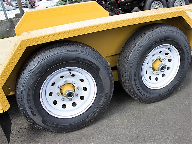 8. Other dump trailers from Town and Country Commercial Truck and Trailer Sales, Kent (Seattle), WA.