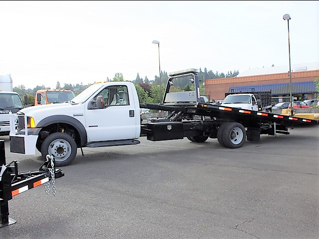 2006 FORD F550 19 ft. rollback with stinger truck from Town and Country Commercial Truck and Trailer Sales, Kent (Seattle), WA.