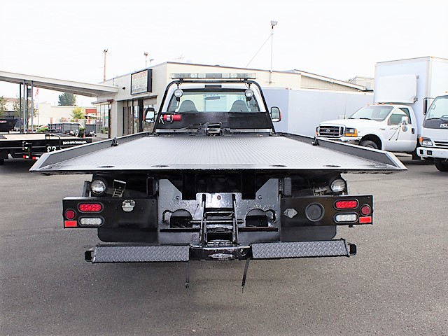 6376.N. 2006 FORD F550 19 ft. rollback with stinger truck from Town and Country Commercial Truck and Trailer Sales, Kent (Seattle), WA.