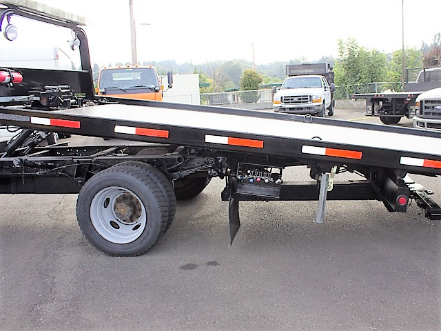 6376.P. 2006 FORD F550 19 ft. rollback with stinger truck from Town and Country Commercial Truck and Trailer Sales, Kent (Seattle), WA.