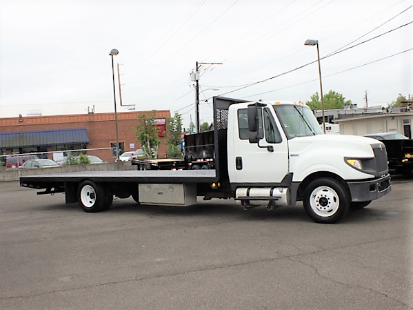 JC2015.B. 2015 INTERNATIONAL TERRASTAR Non-CDL Low Profile 21 ft Flatbed Truck from Town and Country Commercial Truck and Trailer Sales, Kent (Seattle), WA.