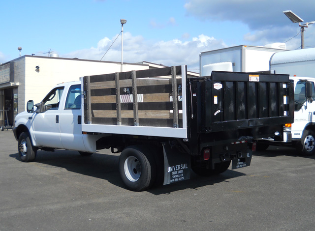 6374.B. 2003 FORD F350 Super Duty 9 ft. crew cab flatbed dump truck from Town and Country Commercial Truck and Trailer Sales, Kent (Seattle), WA.