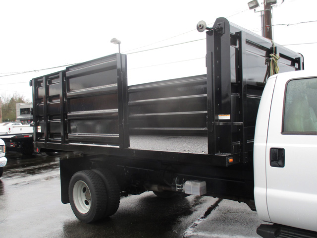 6371.K. 2009 FORD f550 14 ft. Flatbed Dump Truck from Town and Country Truck and Trailer Sales, Kent (Seattle), WA.